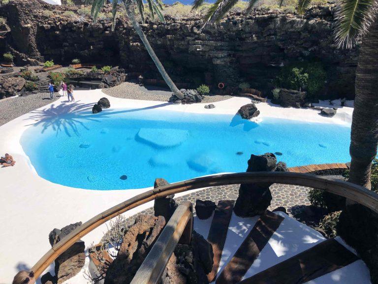 Jameo del Agua, der traumhafte von Manrique gestaltete Pool