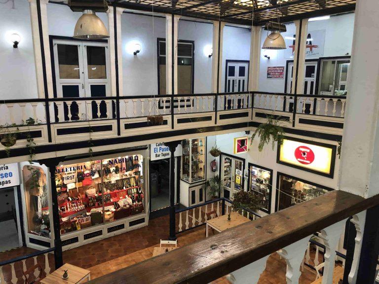 """Das Einkaufszentrum """"Mercadillo"""" in der Altstadt von Arrecife"""
