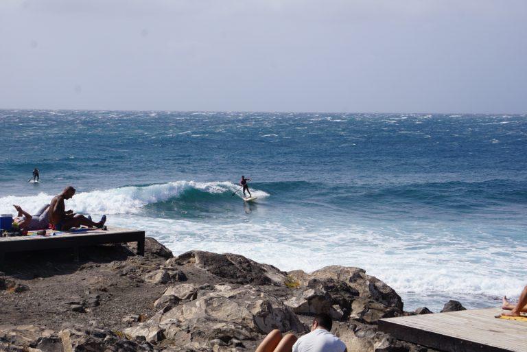 Der Surfer ist eigentlich Sand-Up-Padler