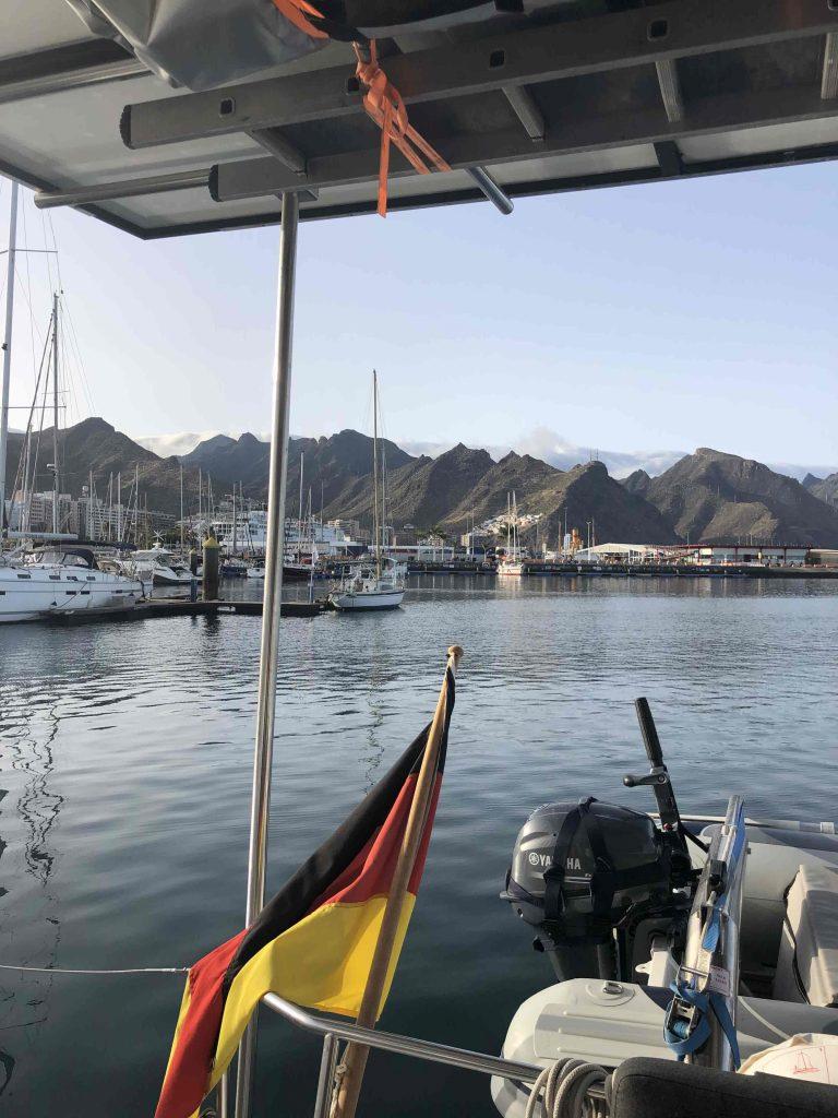 Der erste Eindruck von der Marina in Santa Cruz